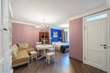 1-комн. квартира, 36 кв.м. на 4 человека, улица Адмирала Юмашева, 17Б, Севастополь - Фотография 1
