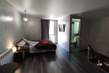 1-комн. квартира, 50 кв.м. на 4 человека, улица Козлова, 17, Керчь - Фотография 1