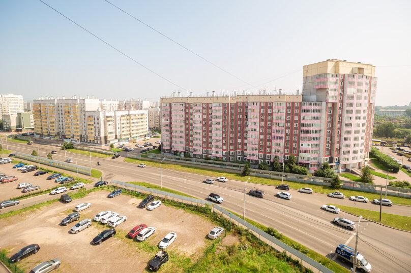 2-комн. квартира, 54 кв.м. на 4 человека, улица Молокова, 14, Красноярск - Фотография 12