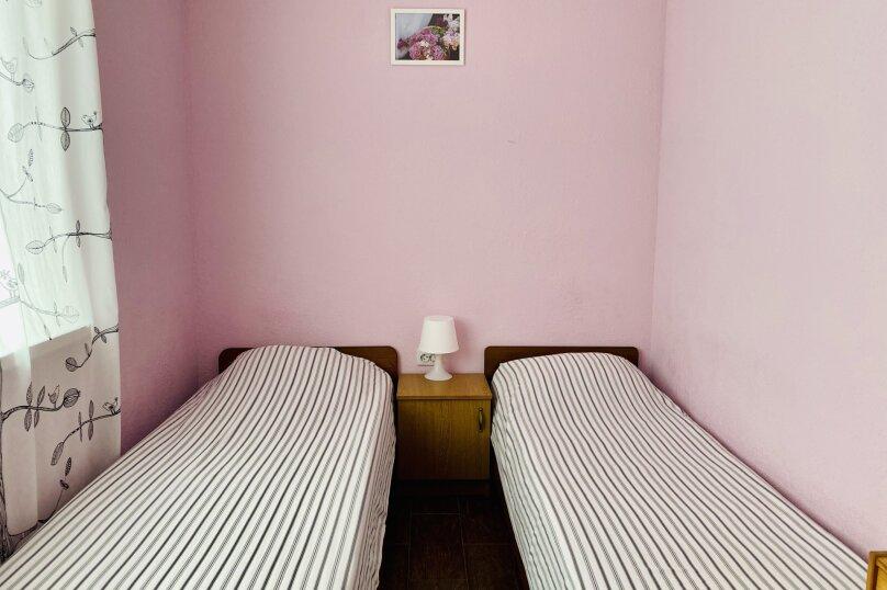 """Гостевой дом """"Ореховый рай"""", Спортивный переулок, 12 на 16 комнат - Фотография 24"""