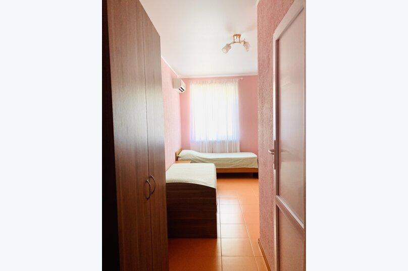 """Гостевой дом """"Ореховый рай"""", Спортивный переулок, 12 на 16 комнат - Фотография 35"""