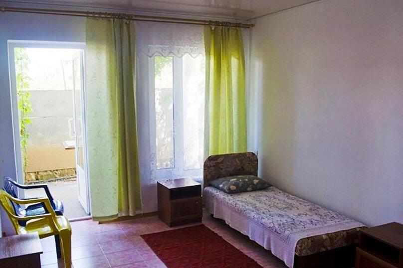 Трехместный номер стандартный, Подгорная улица, 32, Новоотрадное - Фотография 4