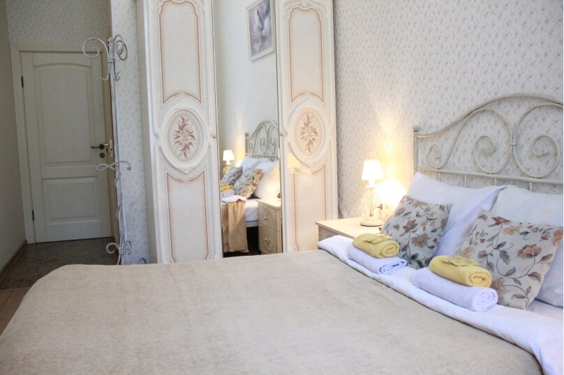 Стандартный с 1 большой кроватью , улица Марата, 29, Санкт-Петербург - Фотография 1
