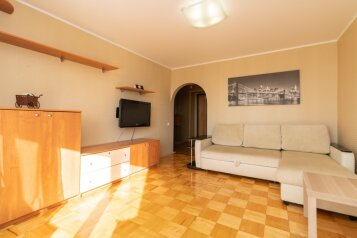 1-комн. квартира, 40 кв.м. на 3 человека, улица Менделеева, 138, Уфа - Фотография 1