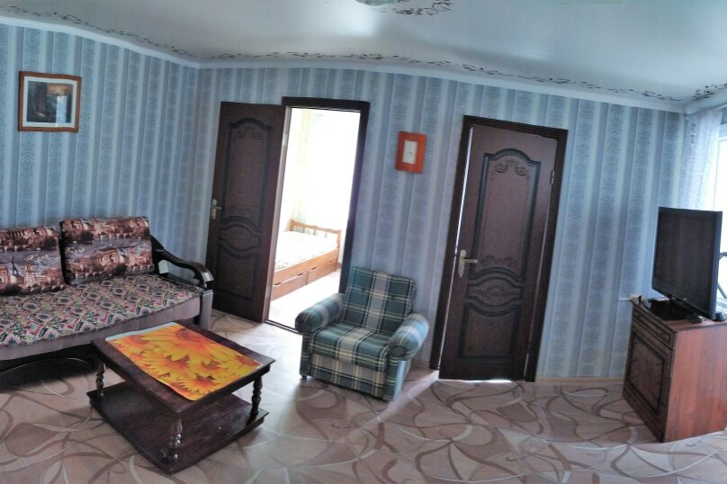 3-комн. квартира, 45 кв.м. на 7 человек, улица Лазарева, 80, Лазаревское - Фотография 1