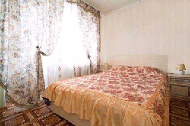 2-комн. квартира, 33 кв.м. на 4 человека, Ленинский проспект, 4, Калининград - Фотография 1