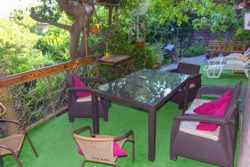Дом в Гаспре с большим персональным двором, садом, 80 кв.м. на 6 человек, 2 спальни, Севастопольское шоссе, 10, Гаспра - Фотография 1