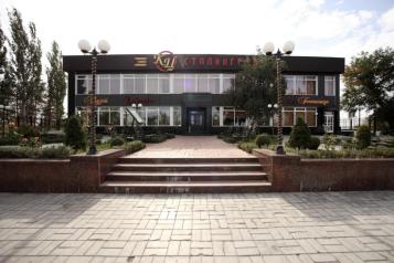 """Гостиница """"Сталинград"""", улица Рокоссовского, 102 на 13 номеров - Фотография 1"""