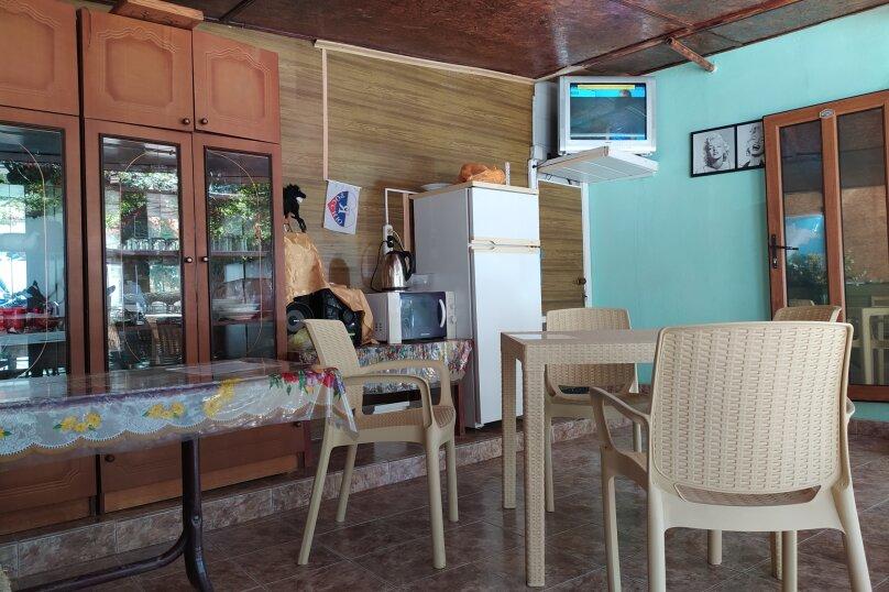 """Гостевой дом """"Морская, 8"""", Морская улица, 8 на 18 комнат - Фотография 11"""