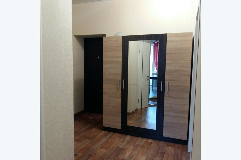 2-комн. квартира, 57 кв.м. на 6 человек, Донская улица/переулок Бокуна, 26А/33Б, Симферополь - Фотография 3