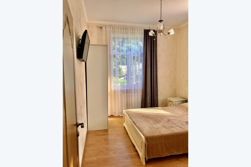 Дом на первой береговой линии, 200 кв.м. на 10 человек, 5 спален, Крымская, 83, микрорайон Мамайка, Сочи - Фотография 4