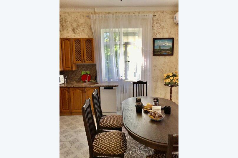 Дом на первой береговой линии, 200 кв.м. на 10 человек, 5 спален, Крымская, 83, микрорайон Мамайка, Сочи - Фотография 18