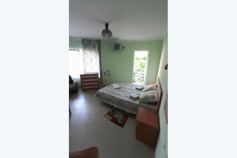 """Гостевой дом """"Три кита"""", Зеленая, 3 на 12 комнат - Фотография 23"""