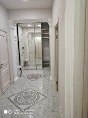 2-комн. квартира, 72 кв.м. на 6 человек, Античный проспект, 7В, Севастополь - Фотография 1