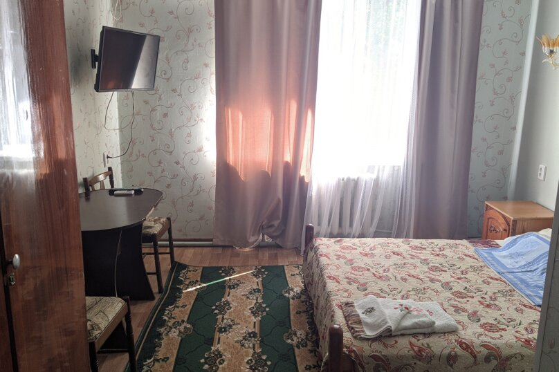 Однокомнатный люкс, улица Голощапова, 3, Керчь - Фотография 1