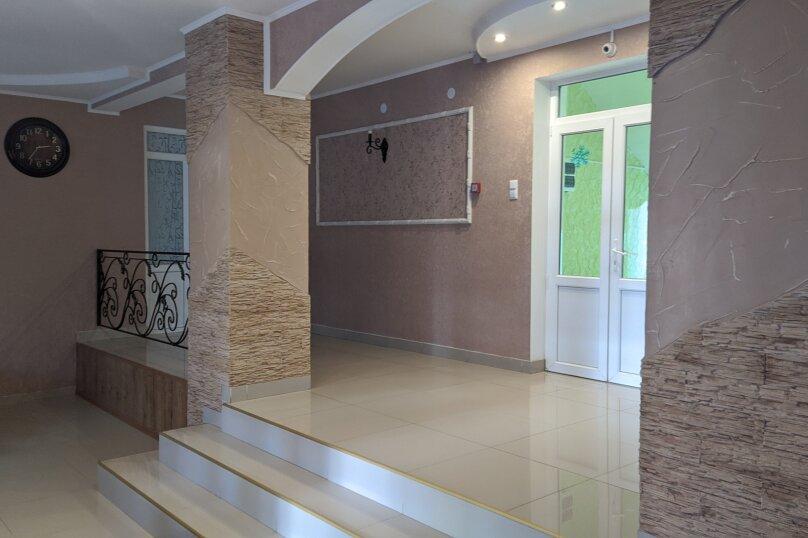 """Гостиный дом """"НАДЕЖДА"""", улица Голощапова, 3 на 18 комнат - Фотография 3"""