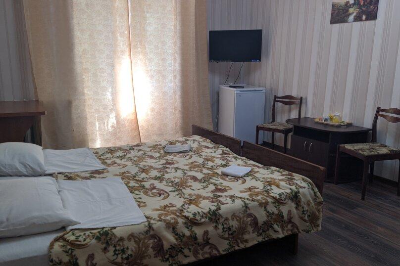 """Гостиный дом """"НАДЕЖДА"""", улица Голощапова, 3 на 18 комнат - Фотография 6"""