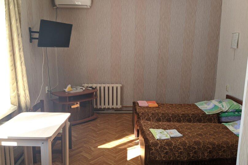 """Гостиный дом """"НАДЕЖДА"""", улица Голощапова, 3 на 18 комнат - Фотография 10"""