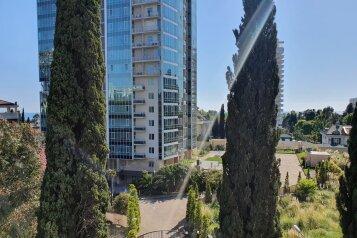 2-комн. квартира, 70 кв.м. на 8 человек, Курортный проспект, 75Д, Сочи - Фотография 1