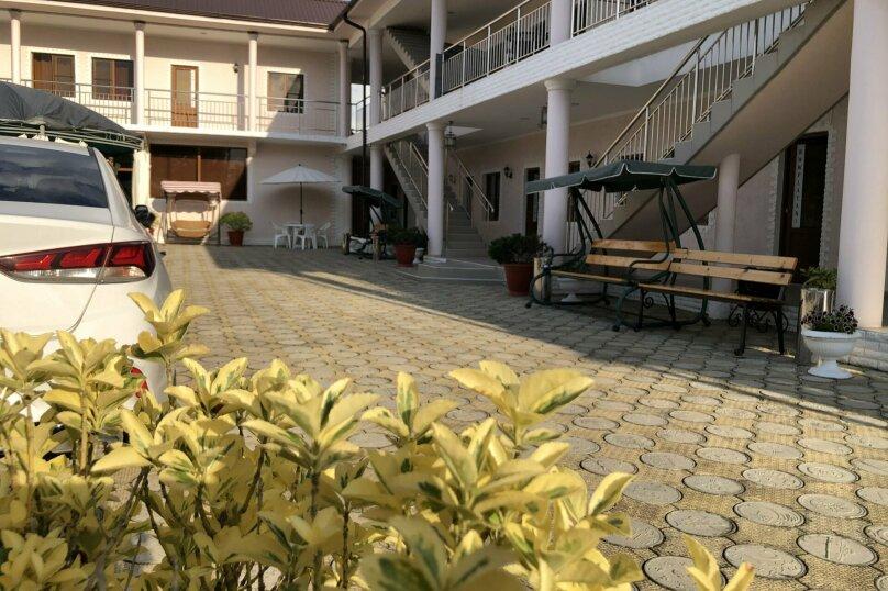 MINI HOTEL PLATAN, переулок Адыгов, 3 на 18 номеров - Фотография 25