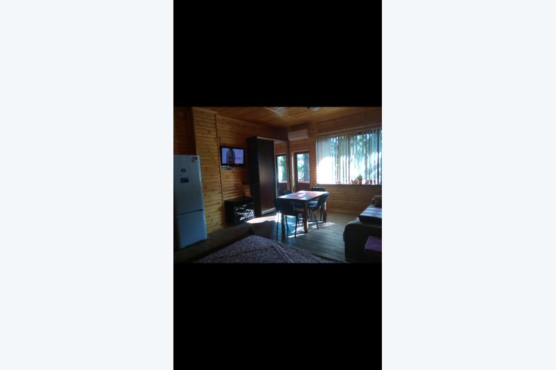 """Гостевой дом """"Елена"""", Ленинградская, 64 А на 2 комнаты - Фотография 16"""