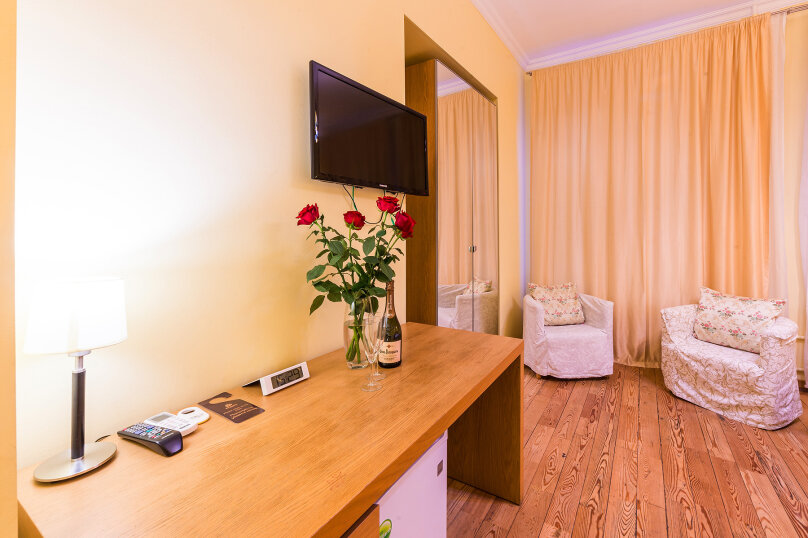 Комфортный двухместный номер с 1 двуспальной или 2 раздельными кроватями, улица Восстания, 13, Санкт-Петербург - Фотография 9