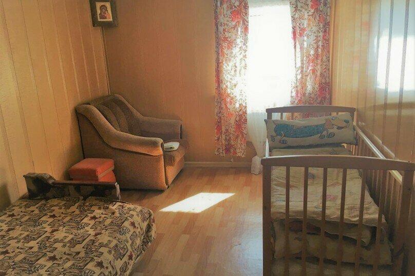 Гостевой дом для семейного отдыха, Российская улица, 4 на 5 комнат - Фотография 12