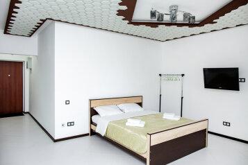 1-комн. квартира, 42 кв.м. на 2 человека, Строительный переулок, 8, Иркутск - Фотография 1
