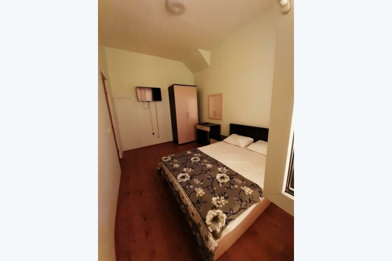 """Отель """"Грант"""", улица Павлика Морозова, 80 на 29 комнат - Фотография 13"""