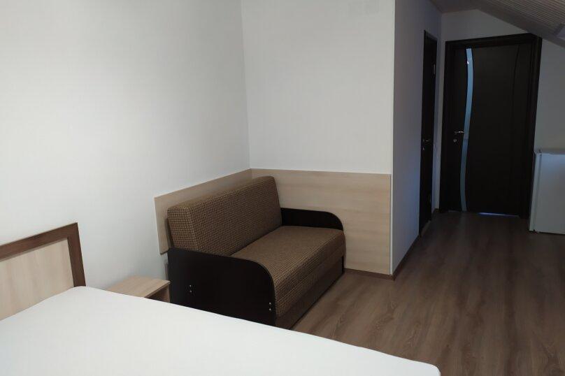 3-х местный с диваном на третьем этаже, Шмидта, 80, Керчь - Фотография 1