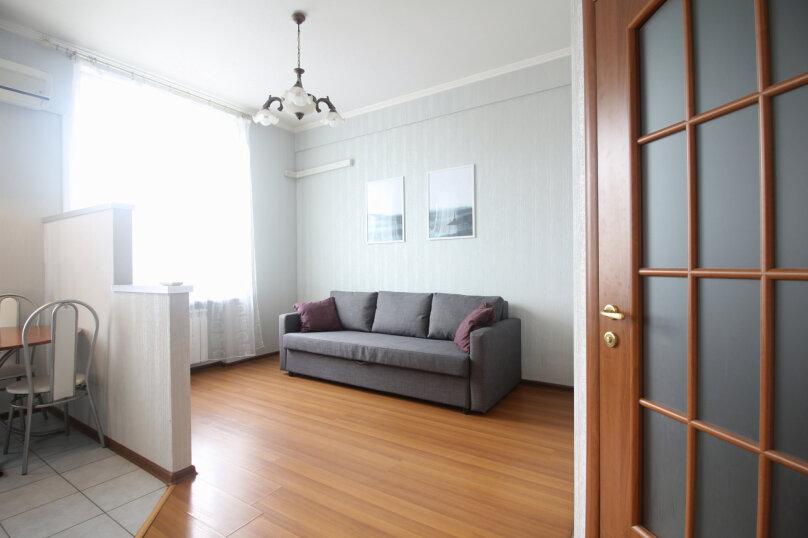 2-комн. квартира, 79 кв.м. на 5 человек, Большая Дорогомиловская улица, 9, метро Киевская, Москва - Фотография 2