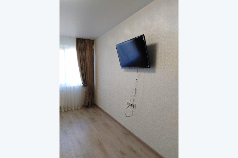1-комн. квартира, 39 кв.м. на 4 человека, район Семь Ветров, улица 8-й Воздушной Армии, 15А, Волгоград - Фотография 2