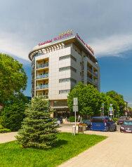 """Гостиница """"Grand Hotel Valentina"""", Терская улица, 103 на 32 номера - Фотография 1"""