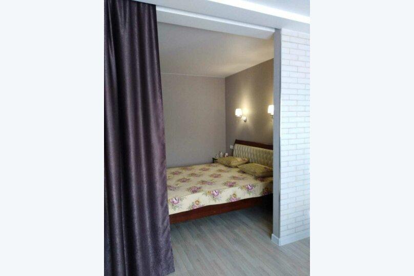 1-комн. квартира, 50 кв.м. на 4 человека, улица Масленникова, 25, Омск - Фотография 1