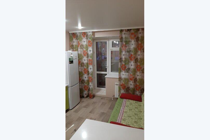 1-комн. квартира, 50 кв.м. на 6 человек, улица Туполева, 4к1, Омск - Фотография 11