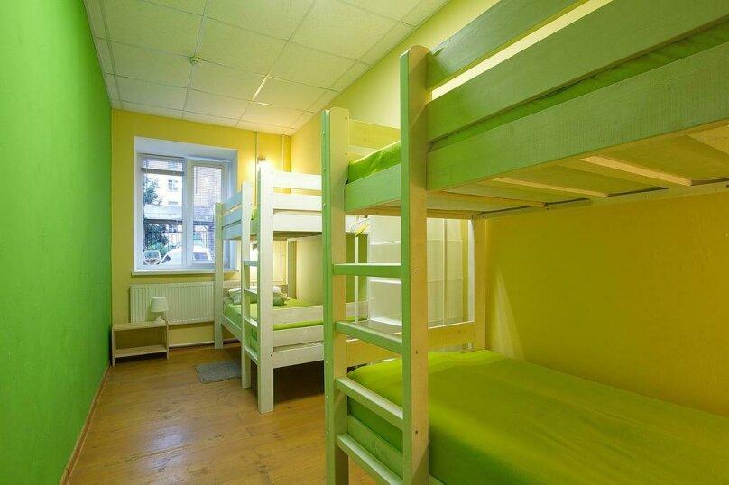 Четырёхместная мужская комната, улица Черняховского, 24Г, Санкт-Петербург - Фотография 1