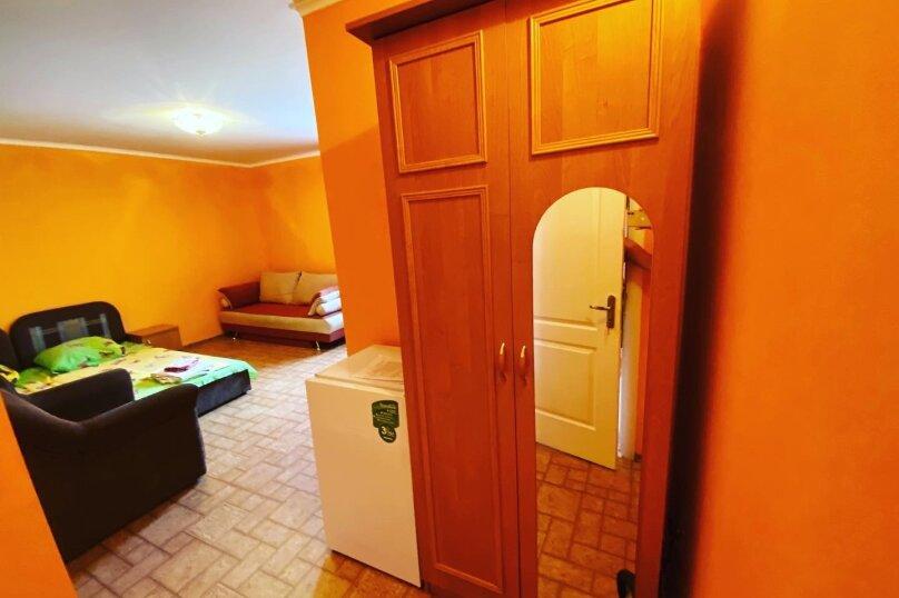 Семейный номер с ванной комнатой и кондиционером, Одесский переулок, 3, Феодосия - Фотография 1