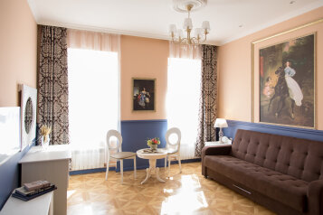"""Гостевые комнаты и апартаменты """"Грифон"""", набережная канала Грибоедова, 35 на 17 комнат - Фотография 1"""