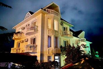Гостевой дом, улица Маршала Ерёменко, 9 на 5 комнат - Фотография 1
