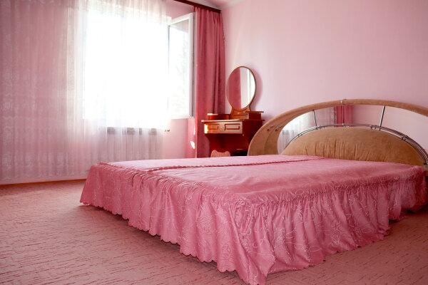 3-комн. квартира, 100 кв.м. на 4 человека, улица Частника, 90, Севастополь - Фотография 1