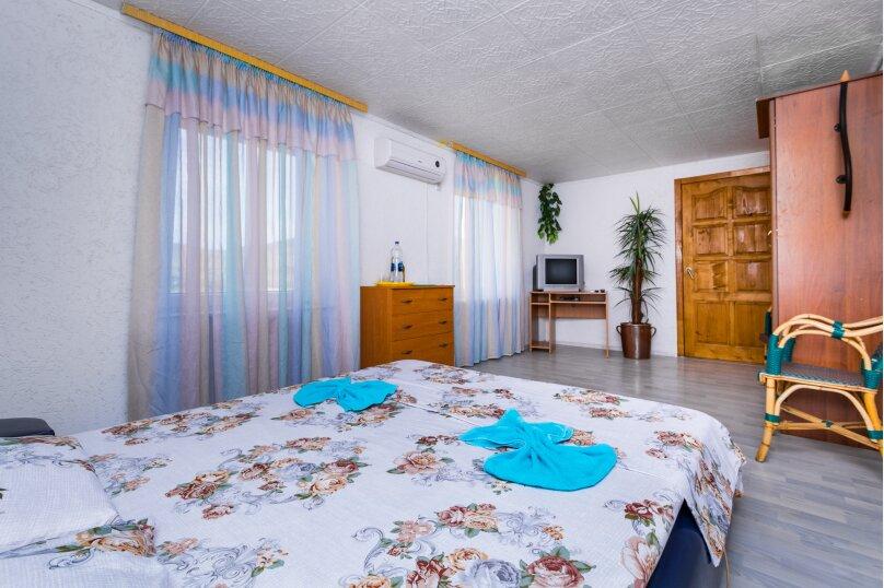 Отдельный дворик с 2 номерами и кухней, СНТ Солнечная Долина, ул. Первооткрывателей, 769, Судак - Фотография 2