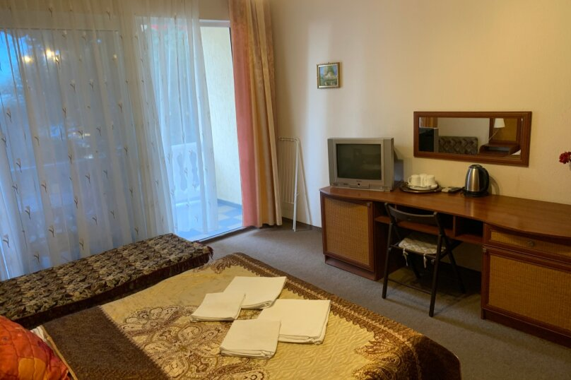 Номер с балконом, 2 этаж, Княгини Гагариной, 25/361 А, Утес - Фотография 5