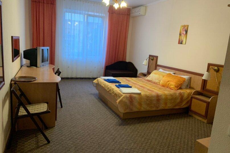 Номер с окном, 5 этаж, Княгини Гагариной, 25/361 А, Утес - Фотография 2