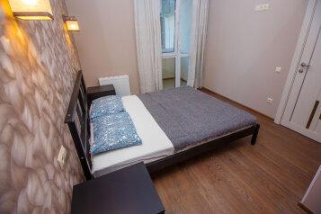 2-комн. квартира, 64 кв.м. на 5 человек, улица Суворова, 27к2, Геленджик - Фотография 1
