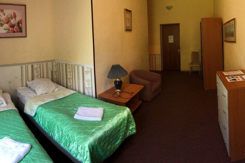 «Эконом» двухместный, посёлок дома отдыха Покровское, 65, Голицыно - Фотография 1