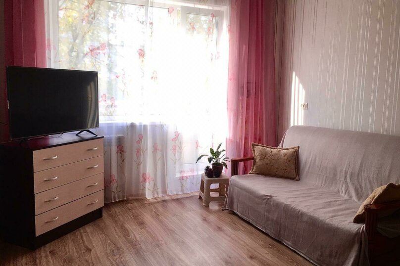 1-комн. квартира, 35 кв.м. на 4 человека, улица Академика Бардина, 40к1, Екатеринбург - Фотография 1
