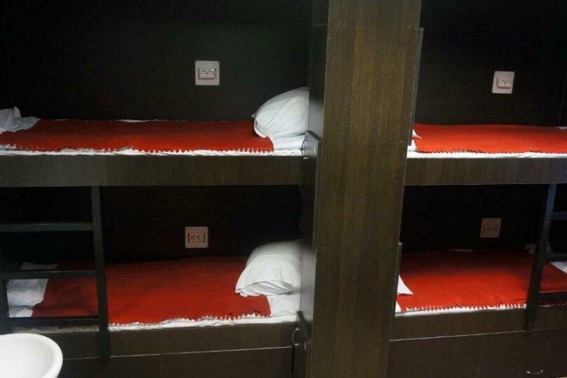 Спальное место на двухъярусной кровати в общем 8-местном номере для мужчин и женщин, проспект Просвещения, 99, Санкт-Петербург - Фотография 1