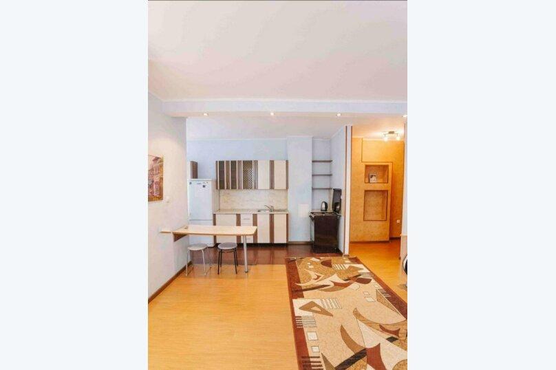 1-комн. квартира, 44 кв.м. на 3 человека, улица Василия Гольцова, 3, Тюмень - Фотография 1