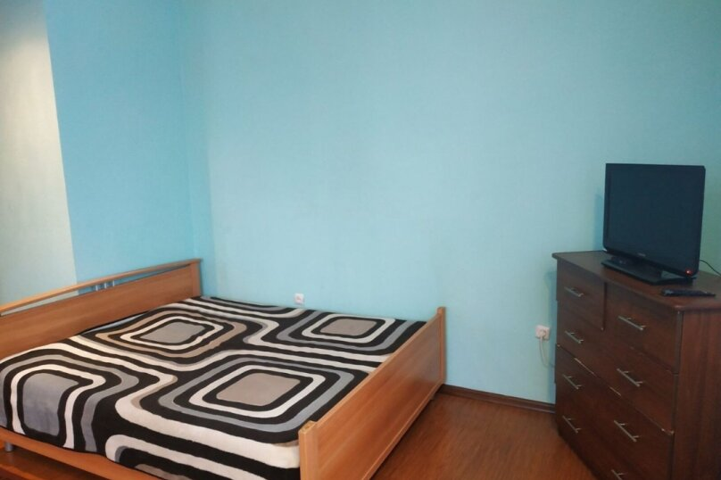 1-комн. квартира, 44 кв.м. на 3 человека, улица Василия Гольцова, 3, Тюмень - Фотография 3