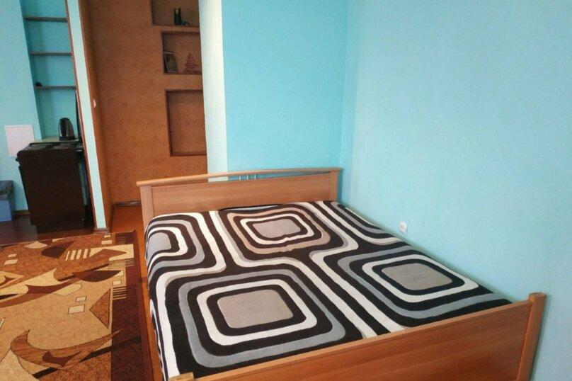 1-комн. квартира, 44 кв.м. на 3 человека, улица Василия Гольцова, 3, Тюмень - Фотография 8